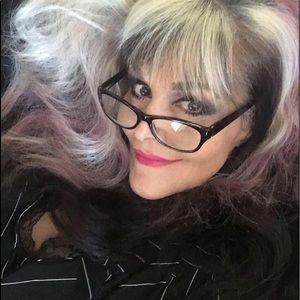 Meet your Posher, Amalia Monk-Tessie